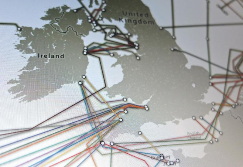 GCHQ Tapping into International Fibre Optic Cables, Shares Intel with NSA